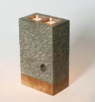 svícen - kámen - andesit, spodní část teakové dřevo, ruční práce | A00250