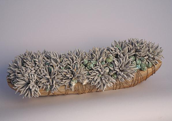 aranžmá - umělé květy, teakové dřevo   A01515_A