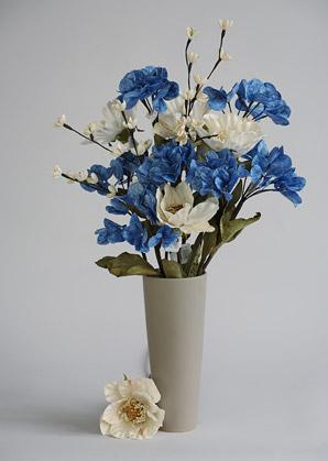 aranžmá trvalé hodnoty (celulozové květy+váza)   A02215_A