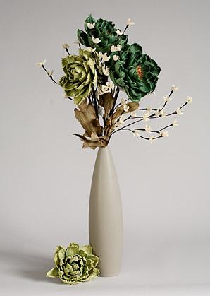 aranžmá trvalé hodnoty (celulozové květy+váza)   A02255_B