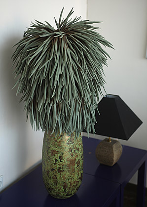 aranžmá - umělé květy, váza, přírodní materiál   A03765_C