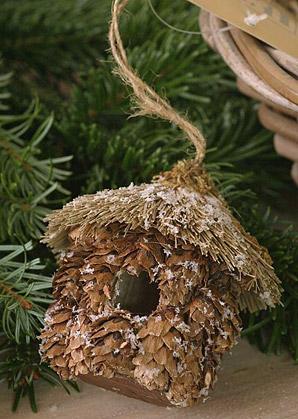 dekorace závěsná - domeček pro ptáčky - přírodní materiál | A06921