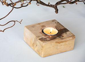 svícen - zkamenělé dřevo | A08010