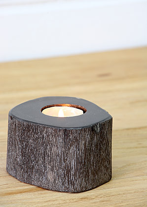 svícen - zkamenělé dřevo | A08081